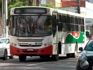 Ônibus em Feira de Santana (Foto: Reprodução/TV Bahia)