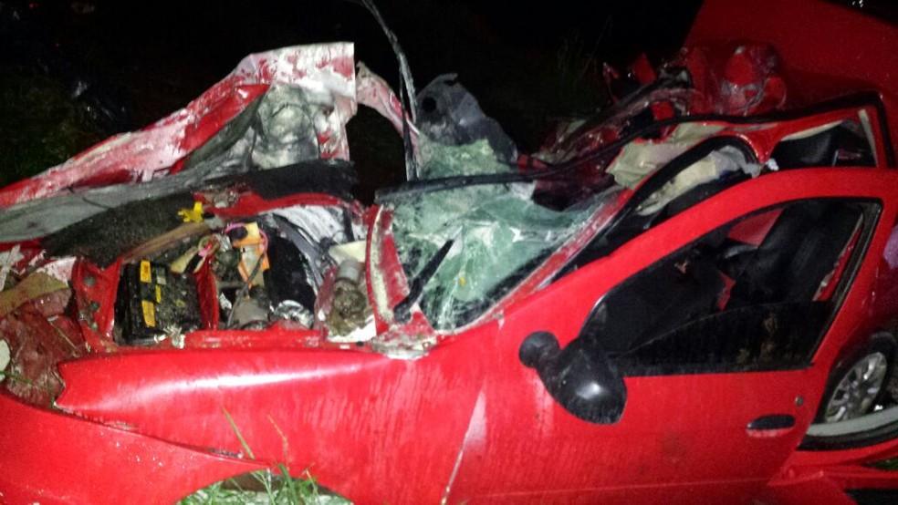 Acidente em Lindoeste deixou três mortos (Foto: PRF/Divulgação)
