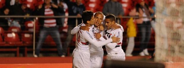 Luis Fabiano gol São Paulo (Foto: Marcos Ribolli / Globoesporte.com)