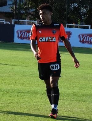 Júnior Urso está recuperado de lesão e deve voltar ao time (Foto: Guilherme Frossard)