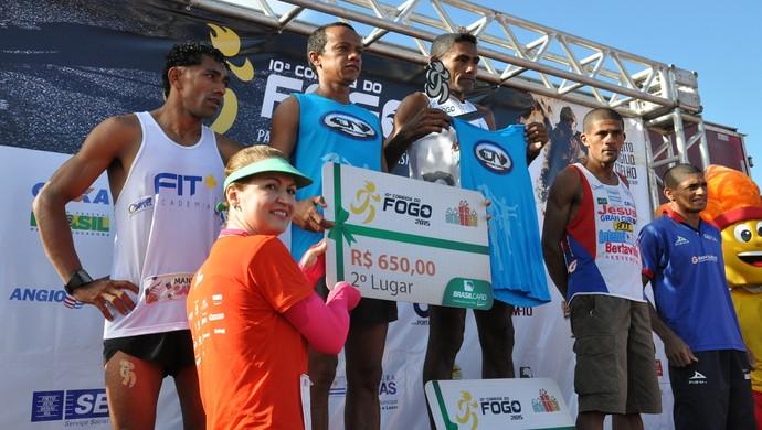 Corrida do Fogo aconteceu neste domingo (5), em homenagem ao Dia do Bomebeiro  (Foto: Tharson Lopes)