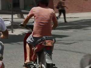 Condutores de motocicletas 'cinquentinhas' serão fiscalizados (Foto: Reprodução/ TV Asa Branca)