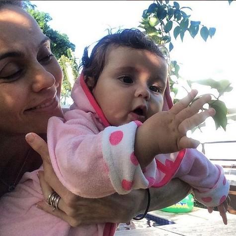 Flávia Monteiro e a filha, Sophia (Foto: Arquivo pessoal)