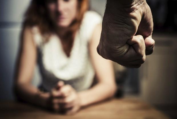 Vítima foi desacordada e estuprada durante 27 minutos por detento, diz investigação (Foto: Think Stock)