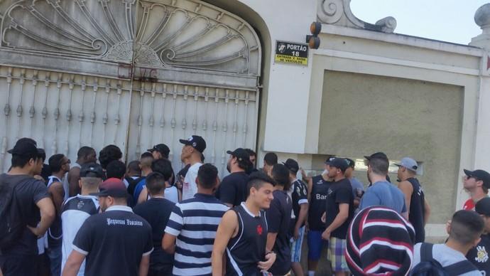 Vasco protesto torcida São Januário (Foto: Reprodução)