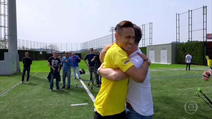 Neymar e Luciano Huck em Barcelona (Foto: Gshow)