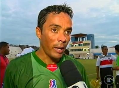 Lúcio pede atenção total dos jogadores do Salgueiro  (Foto: Reprodução/Tv Grande Rio)