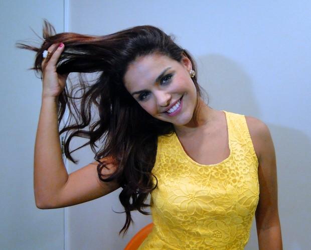 Jogar o cabelo é truque de sensualidade, segundo Paloma (Foto: Domingão do Faustão / TV Globo)