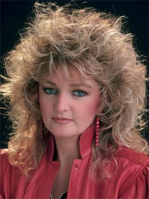 Bonnie Tyler na época do sucesso 'Total Eclipse of the Heart' (Foto: Reprodução)
