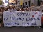 Manifestantes protestam contra cortes do governo na Espanha