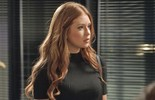 Eliza escuta Leila dizer que beijou Jonatas