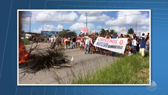 Manifestação fecha dois sentidos da BR-101, na cidade de Entre Rios