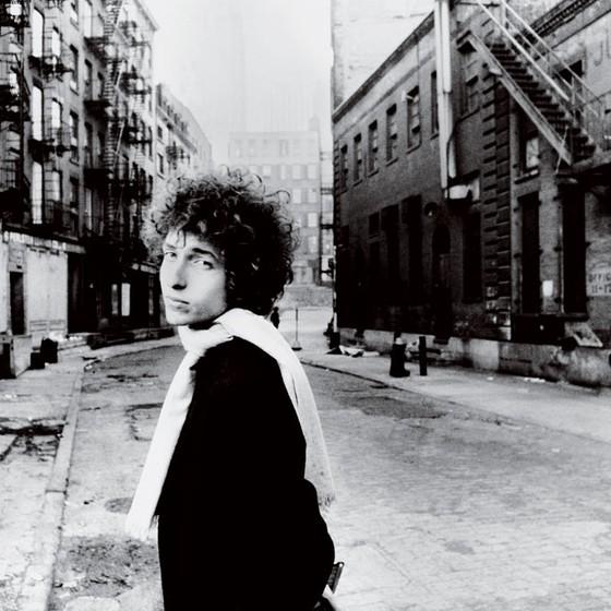 Bob Dylan leva o Nobel pelo valor poético das suas canções num recohecimento de que a literatura não se restringe mais aos formatos tradicionais (Foto: Jerry Schatzberg / trunkarchive)