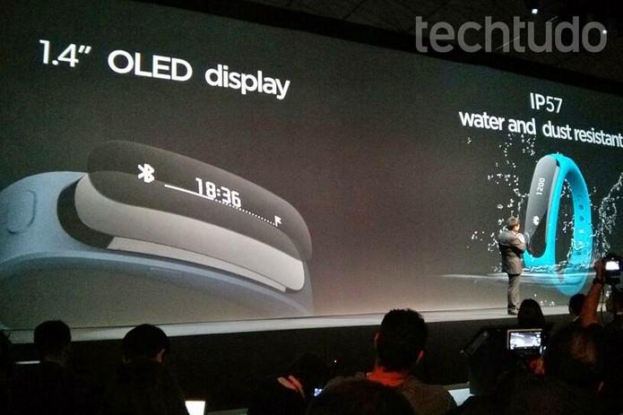 TalkBand: a pulseira inteligente da Huawei (Foto: Isadora Díaz/TechTudo)