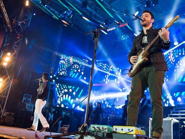 Jorge e Mateus esquentaram o palco na terceira noite da Festa do Peão (Foto  9164f80cce7