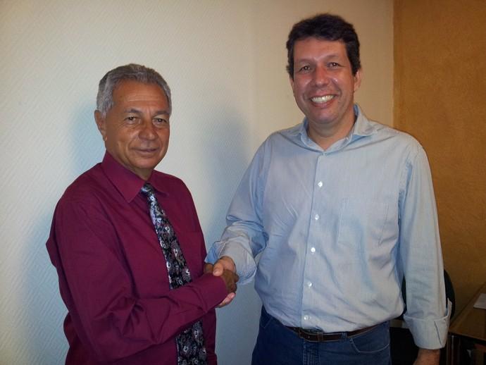 Wilson de Jesus, presidente da Desportiva Ferroviária, e Maurício Duque, presidente do Rio Branco-ES (Foto: Bruno Marques/Globoesporte.com)