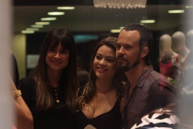 Thaila Ayala e Paulo VIlhena em evento de loja em São Paulo (Foto: Leo Franco / AgNews)