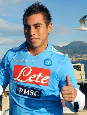 Vargas é apresentado no Napoli (Foto: AP)