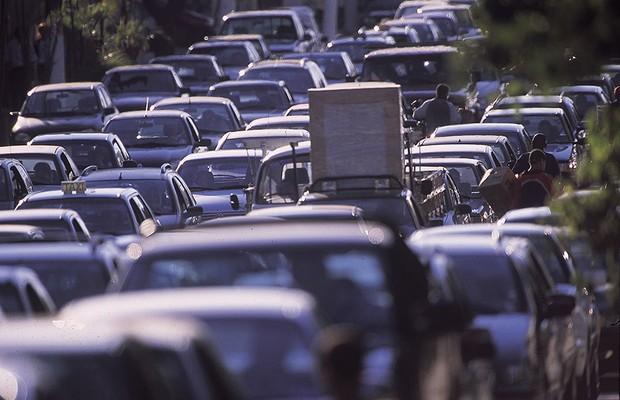 Carros parados em congestionamento (Foto: Daniel Aratangy / Editora Globo)