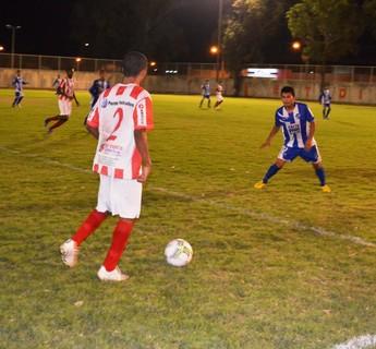 Ataque do Náutico-RR contra o São Raimundo-RR (Foto: Nailson Wapichana/GloboEsporte.com)