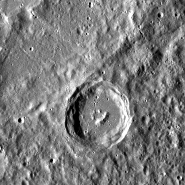 Cratera em Mercúrio lembra um 'smiley' (Foto: Nasa)