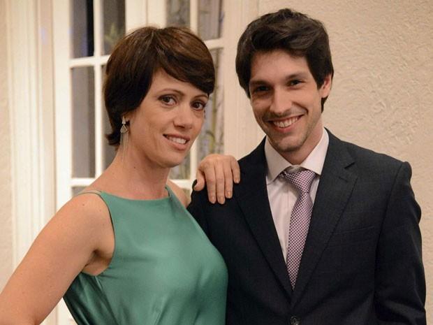 Bel Kutner e Lucas Romano vivem Joana e Luciano em Amor à Vida (Foto: João Cotta/TV Globo)