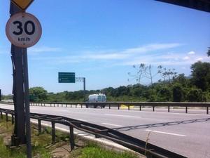 Atropelamento aconteceu na rodovia Padre Manoel da Nóbrega (Foto: Julia Bernardini/Arquivo Pessoal )