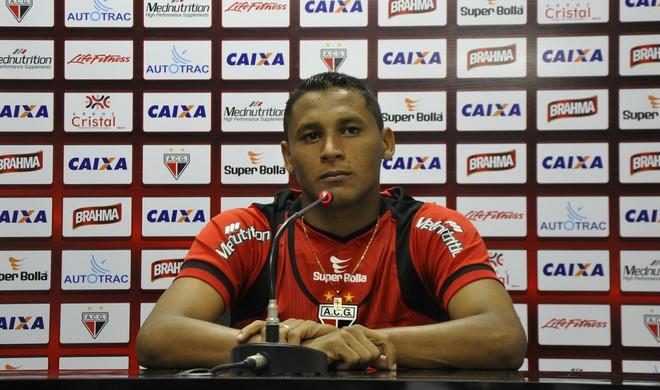 Pedro Bambu, volante do Atlético-GO (Foto: Guilherme Gonçalves/Globoesporte.com)