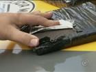 Jovem é apreendida ao transportar 3 kg de haxixe para traficante, diz polícia