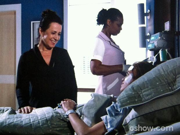 Natasha se abre com a mãe (Foto: Amor à Vida/TV Globo)