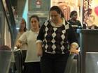 Lívian Aragão vai às compras com a mãe em shopping no Rio