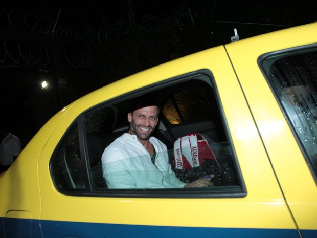 Henri Castelli em festa na Zona Sul do Rio (Foto: Marcello Sá Barretto/ Ag. News)