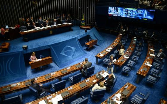 Renan Calheiros (PMDB-AL), presidente do Senado, debate pauta de votações (Foto: Fabio Rodrigues Pozzebom / Agência Brasil)