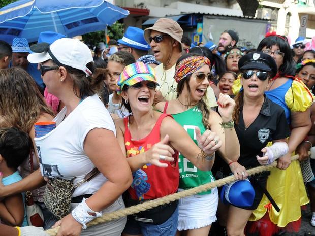 Foliões se divertem no desfile do Monobloco (Foto: Alexandre Durão/G1)