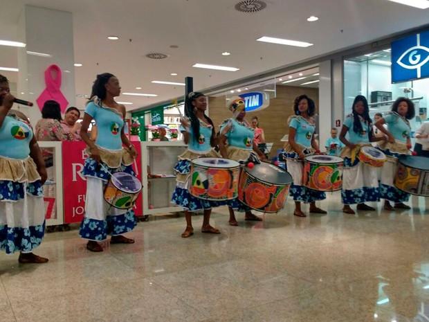 Banda Didá participou da inauguração do espaço nesta quinta (Foto: Natally Acioli/G1)