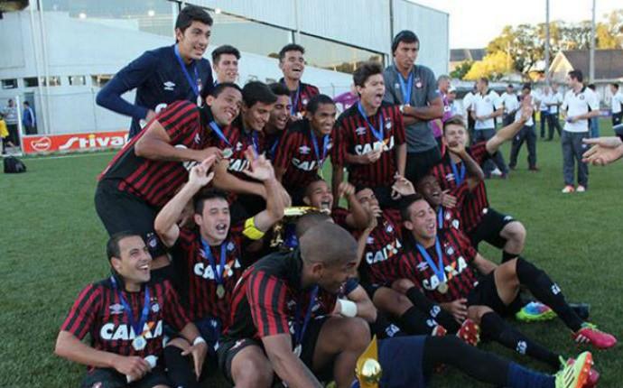 Atlético-PR é campeão do Campeonato Paranaense Sub-18 (Foto: Miguel Locatelli/ Backstage Comunicação)