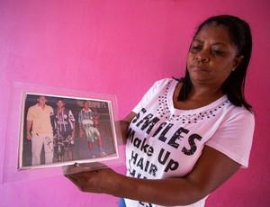 Eliene, mãe de Marinho (Foto: Jonathan Lins / GloboEsporte.com)