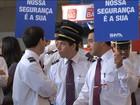 Trabalhadores do setor aéreo fazem protesto e atrasam voos