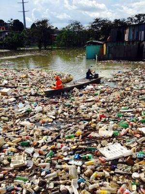 Lixo é retirado por agentes de limpeza (Foto: Divulgação/Semulsp)