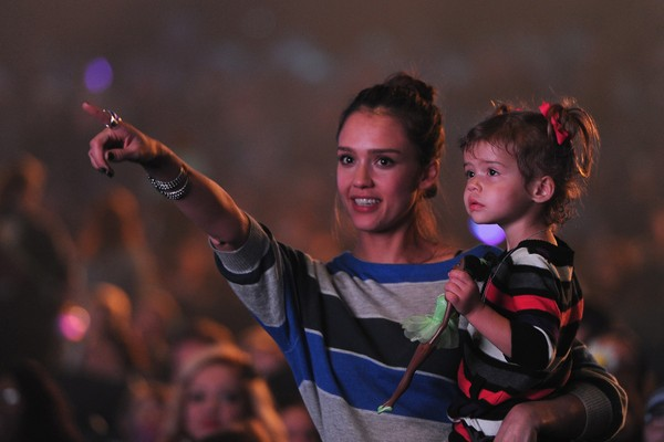 Jessica Alba com a filha Honor Warren (Foto: Getty Images)