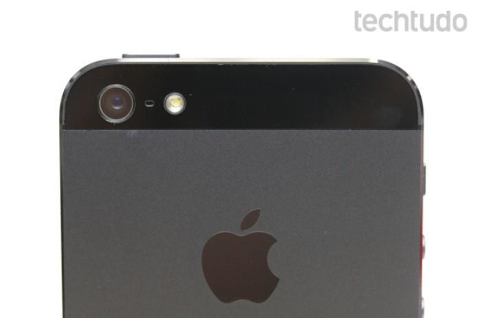 A câmera do iPhone 5 ganhou grandes melhorias, apesar de manter o número de megapixels da edição anterior (Foto: Allan Melo / TechTudo)