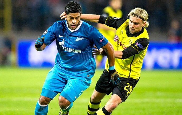 hulk jogo afp 95 Borussia Dortmund says Hulk has asked to join them in the summer, Brazilian calls BVB Bayern on TV