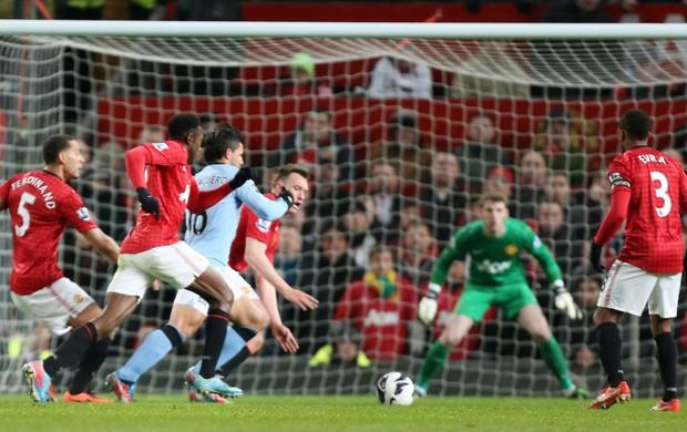 Aguero, Manchester United x Manchester City (Foto: AP)