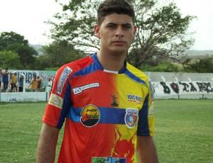 Dimas, atacante do Cruzeiro de Itaporanga (Foto: Luiz Carlos Roque / Globoesporte.com/pb)
