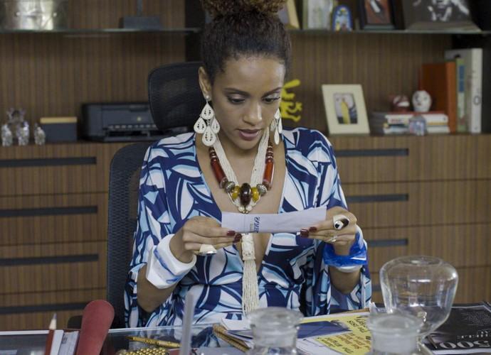 Michele mostra que entende dos negócios (Foto: Divulgação / TV Globo)