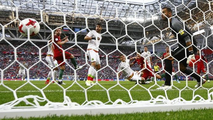 Portugal x México Copa das Confederações (Foto: Reuters)