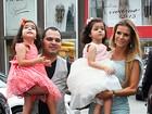 Famosos vão à festa das gêmeas de Luciano
