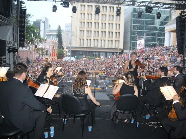 Toquinho e Camerata tocaram juntos em Florianópolis (Foto: Martinho Ghizzo/Divulgação)