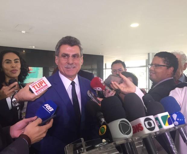 O líder do governo no Congresso, senador Romero Jucá (PMDB-RR), em entrevista no Palácio do Planalto (Foto: Luciana Amaral/G1)