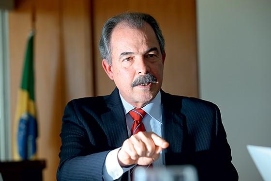 O ministro da Casa Civil, Alozio Mercadante (Foto: Pedro Ladeira/ Folhapress)